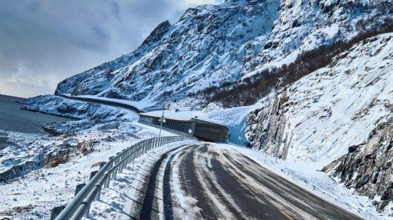 road-in-norway-3EKB9ST (1)