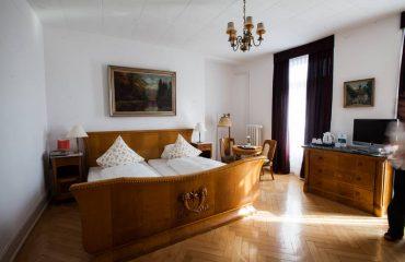 hotel-carlton-europe-vintage-erwachsenenhotel-interlaken-zimmer-classic-7-685